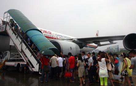 8月20日,随着一架空客a340飞机由重庆江北国际机场起飞